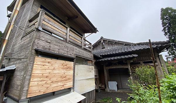 台風 対策 窓 ベニヤ板